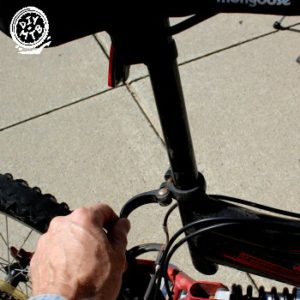 how to adjust height on mongoose seat