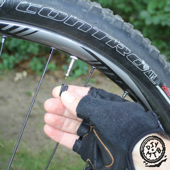 how to inflate a presta valve