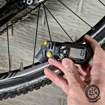 Topeak D2 SmartGauge Tire Pressure Gauge